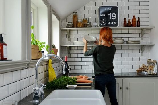 soluciones almacenaje cocina decoración nórdica escandinava decoración nórdica decoración estudio en buhardilla decoración en gris y blanco decoración cocinas modernas gris decoración aticos duplex nordicos blog decoracion interiores
