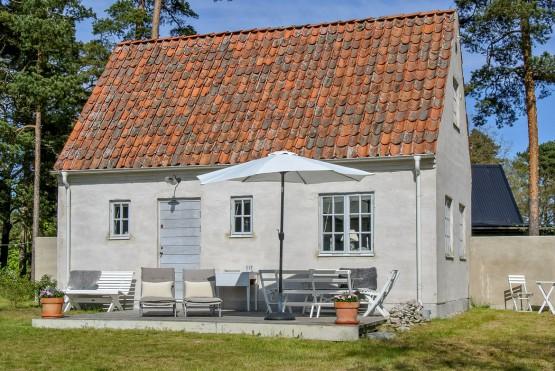 vacaciones nordicas lugares idilicos estilo nórdico estilo escandinavo Casita de verano en Gotland suecia casas playa y bosque suecia casas de vacaciones nórdicas casas de vacaciones blog decoracion interiores alojamiento suecia