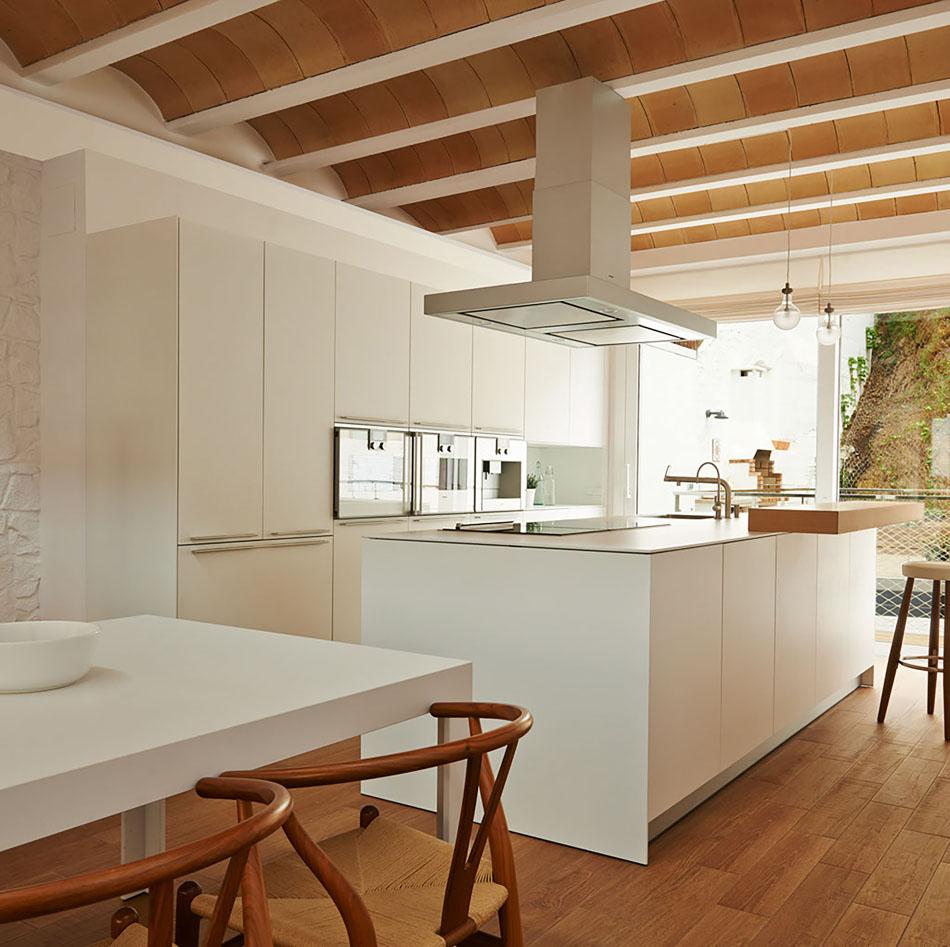 Casa de dise o en blanes girona blog tienda decoraci n - Tiradores cocina modernos ...