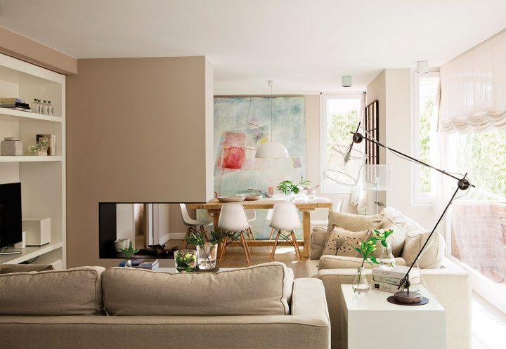 Gran salón en blanco y arena decoración salones decoración nórdica decoración clásica colores claros decor blog decoracion interiores