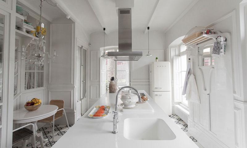 Est tica de mansi n antigua para vivienda moderna blog for Techos interiores de casas modernas