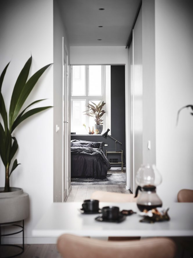 planta abierta mini piso decoración estilo nórdico negro estilo nórdico blanco estilo escandinavo dormitorio en negro diáfano decoración negro