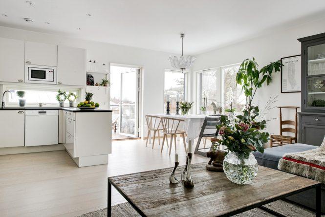 Diseño de interiores abierto y bien planificado