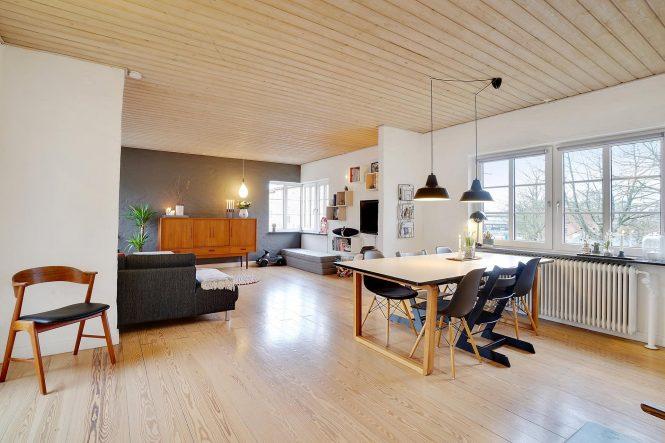 Una casa danesa con sótano habitable