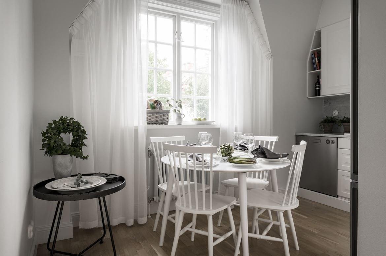 Interior en colores oscuros para crear una atmósfera sofisticada