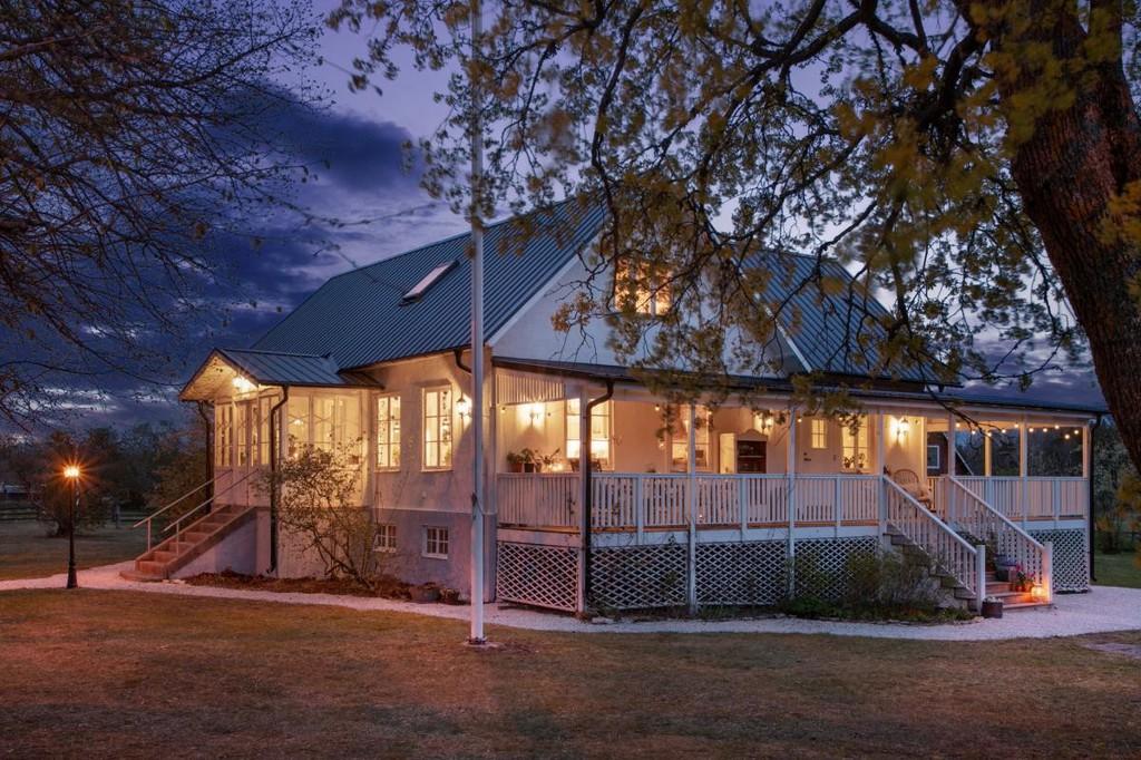 terraza de madera terraza cubierta south decor porche americano coastal style casas en la costa casas de madera