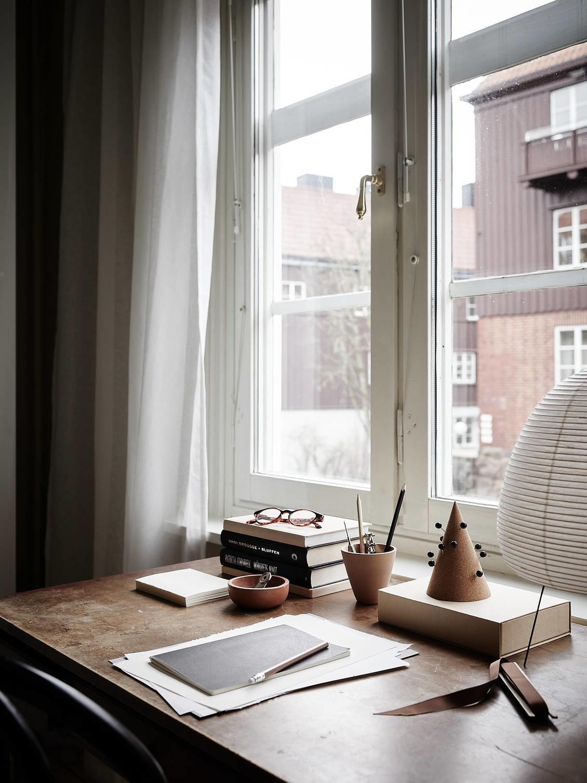 Oficina en casa en el dormitorio