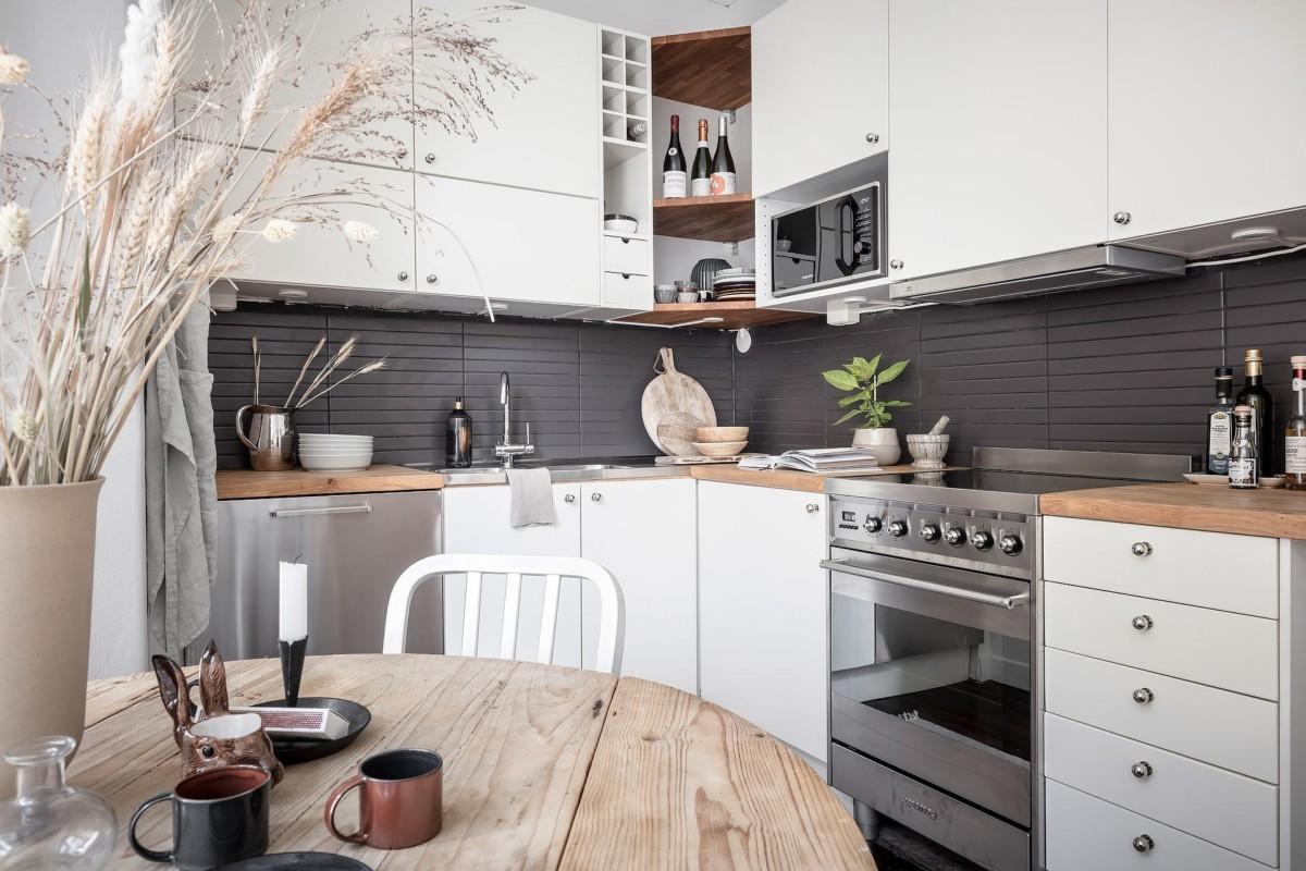 Una decoración sencilla se traduce en una cocina limpia y ordenada