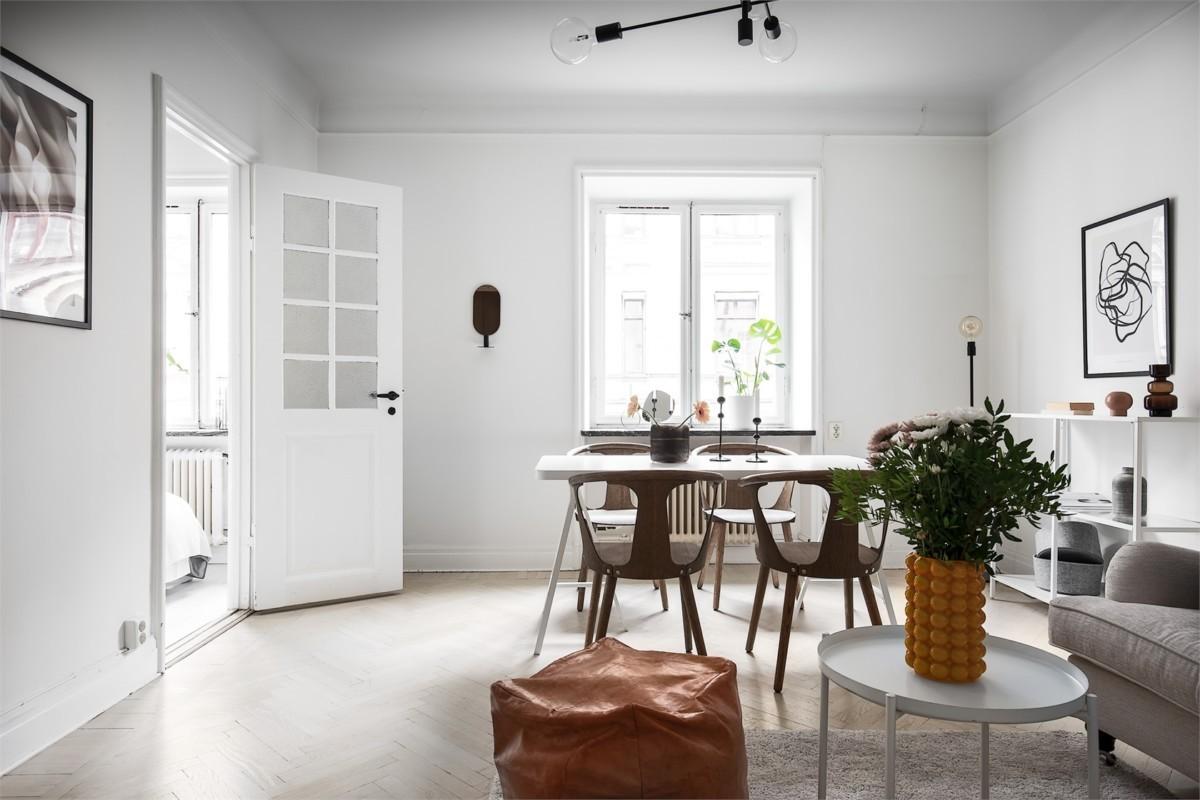 Pequeño apartamento nórdico con buena distribución y mobiliario ligero