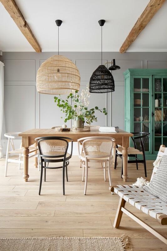 Loft moderno combinado con una casa rural acogedora
