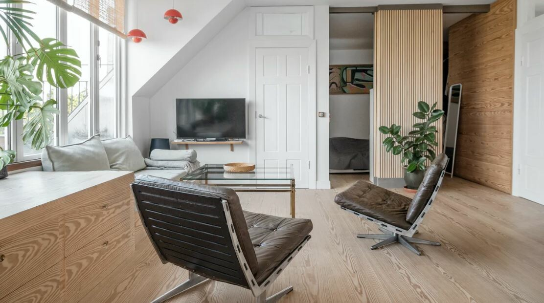 Detalles de madera hechos a medida en ático en Copenhague