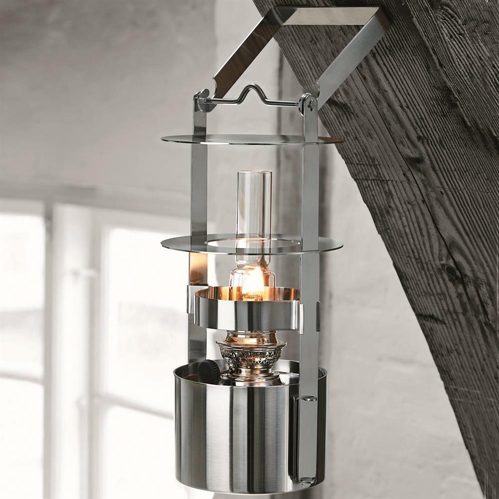 Lámparas de aceite para las noches de verano en la terraza