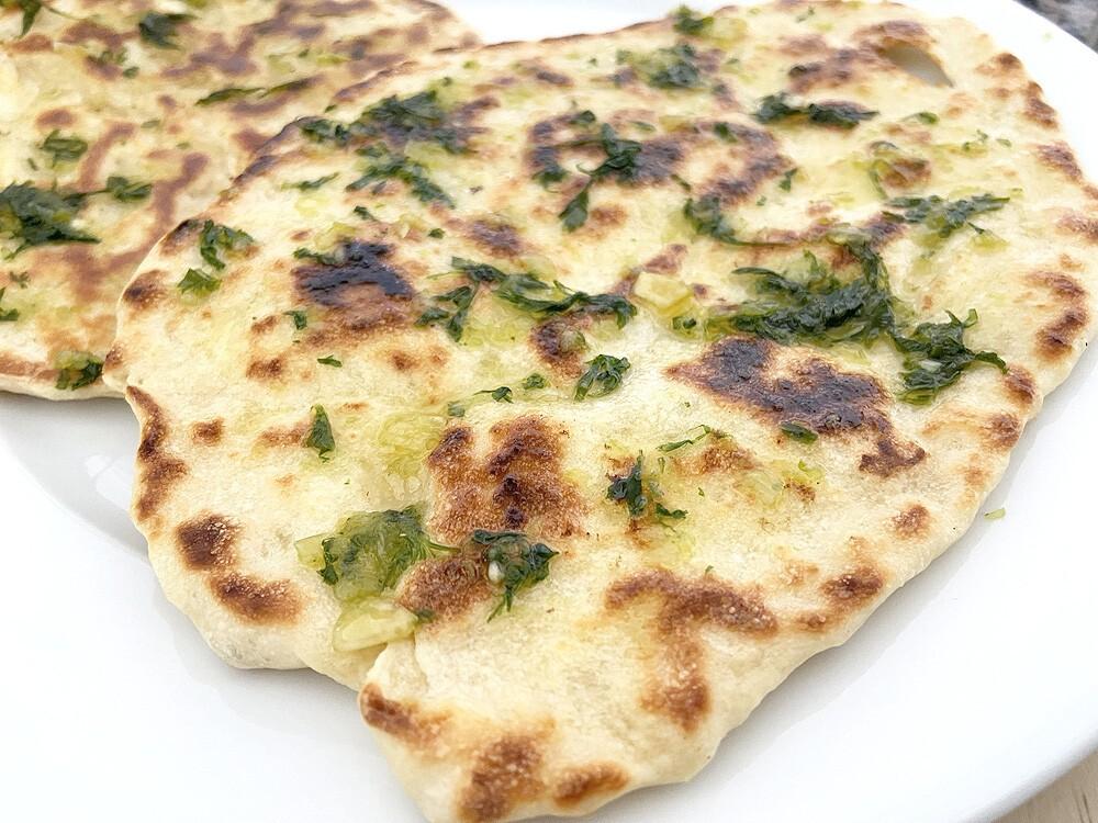 Pan naan o pan indio fácil, para barbacoas exóticas este verano